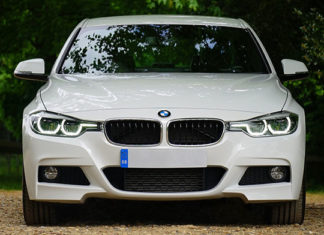 Aktywna piana i gąbki do polerowania samochodu – przydatne w auto detailingu