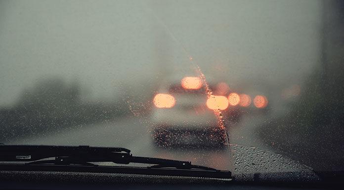 Bezpieczna jazda w deszczu