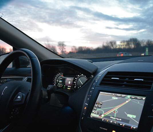 Monitoruj pracę mobilnych specjalistów – zarządzanie flotą pojazdów