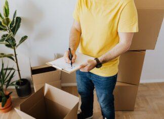 Dlaczego warto wybrać zaufanego kuriera poczty polskiej
